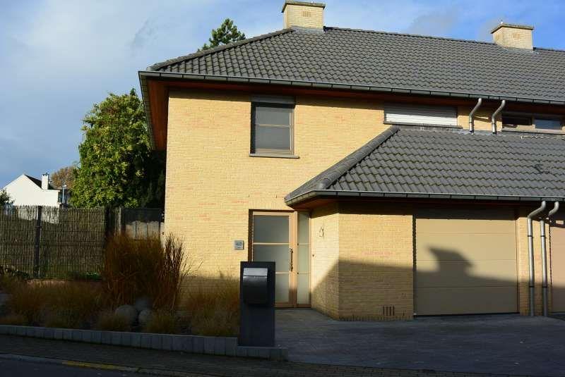Hekelgem (Affligem): Moderne instapklare halfopen woning met tuin en garage